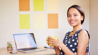 Businesswoman in office - News   Amarex